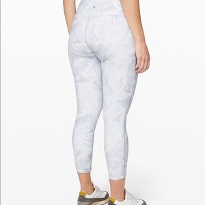 NWT Lululemon Wunder Under Hi Rise tight '25